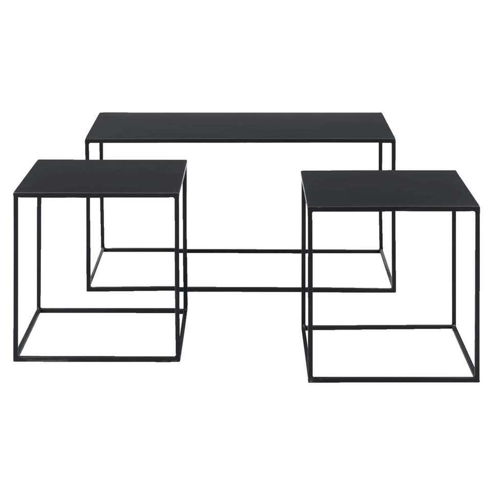 Bijzettafel Palermo is een set van drie handige bijzettafels van zwart metaal. Gebruik de tafels voor of naast uw zetel. Combineer er twee en zet de andere in een andere ruimte.
