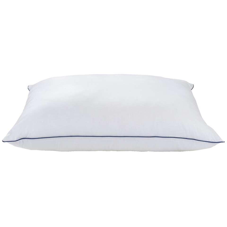 L'oreiller Health+ est un oreiller antiallergique avec une taie douce de 100% coton. L'oreiller est souple/a une fermeté moyenne et convient pour chaque type de dormeur (ventre/dos/côté). Dimensions: 60x70 cm.