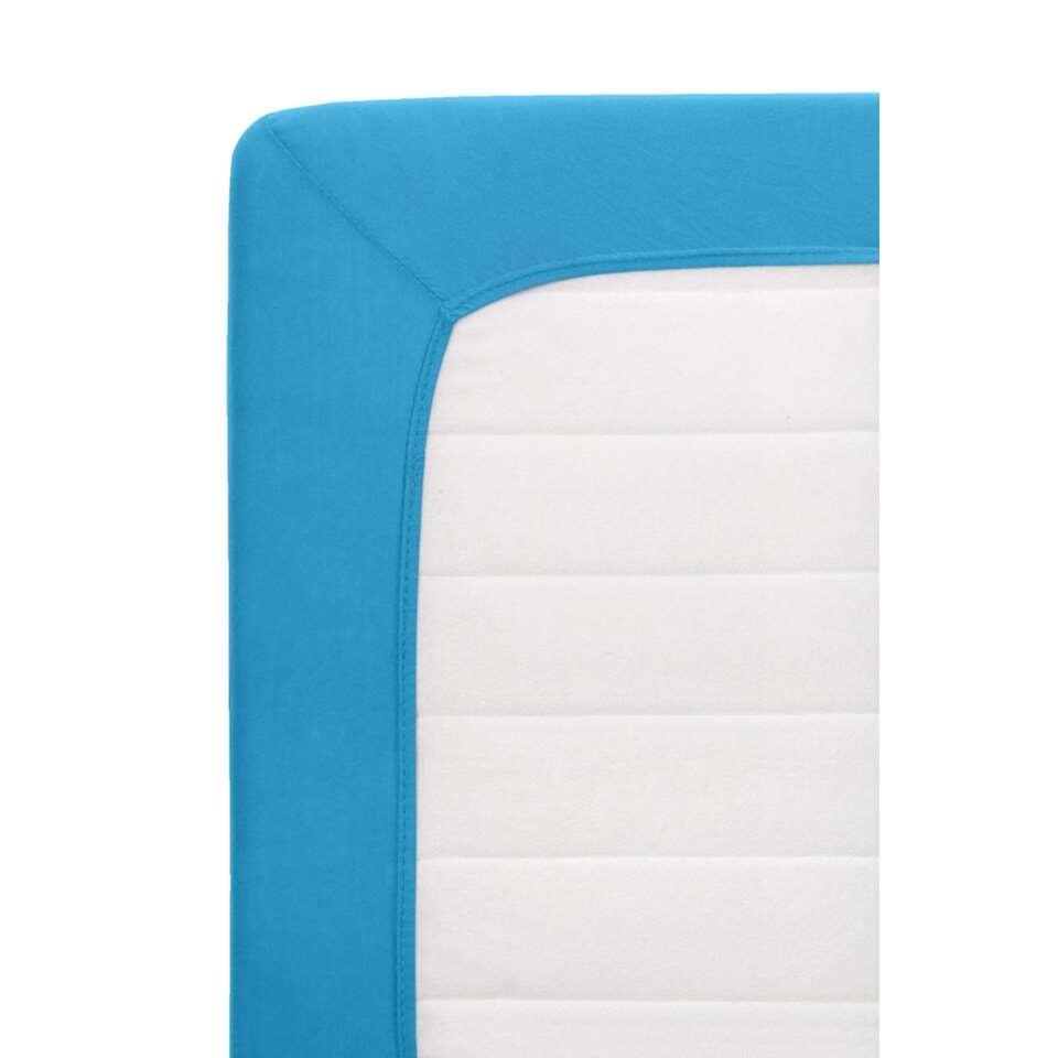 Dit blauwe hoeslaken Jersey is een ware aanwinst voor de slaapkamer. Het is voorzien van handige elastieken randen en is rekbaar, waardoor het laken de perfecte pasvorm aanneemt op uw matras. Dit laken heeft afmetingen van 70 x 15