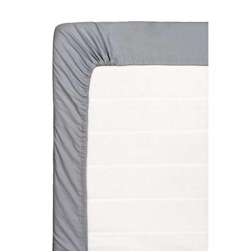 Ce drap-housse doux est fait de coton percale. Ce drap-housse de 180x200 cm est anthracite.