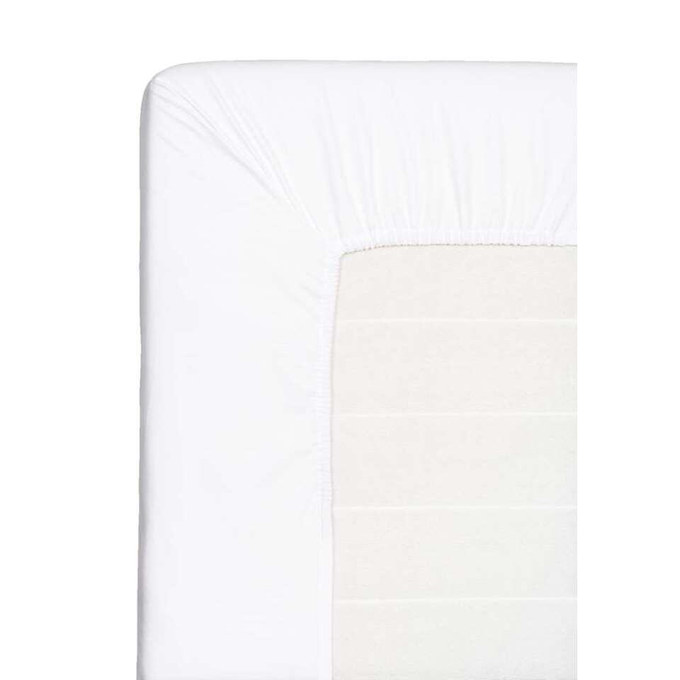 Dit zachte hoeslaken is geschikt voor uw topdekmatras. Dit witte hoeslaken is gemaakt van katoen en heeft een afmeting van 90x220 cm.
