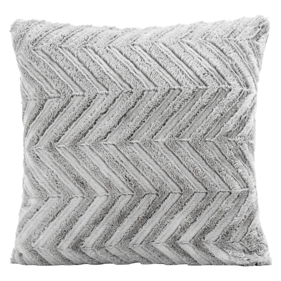 Sierkussen Monica is een erg zacht kussen. Dit sierkussen heeft een afmeting van 45x45 cm en is gemaakt van 100% polyester. Leg het kussen op de zetel, uw bed of vrolijk er een fauteuil mee op.