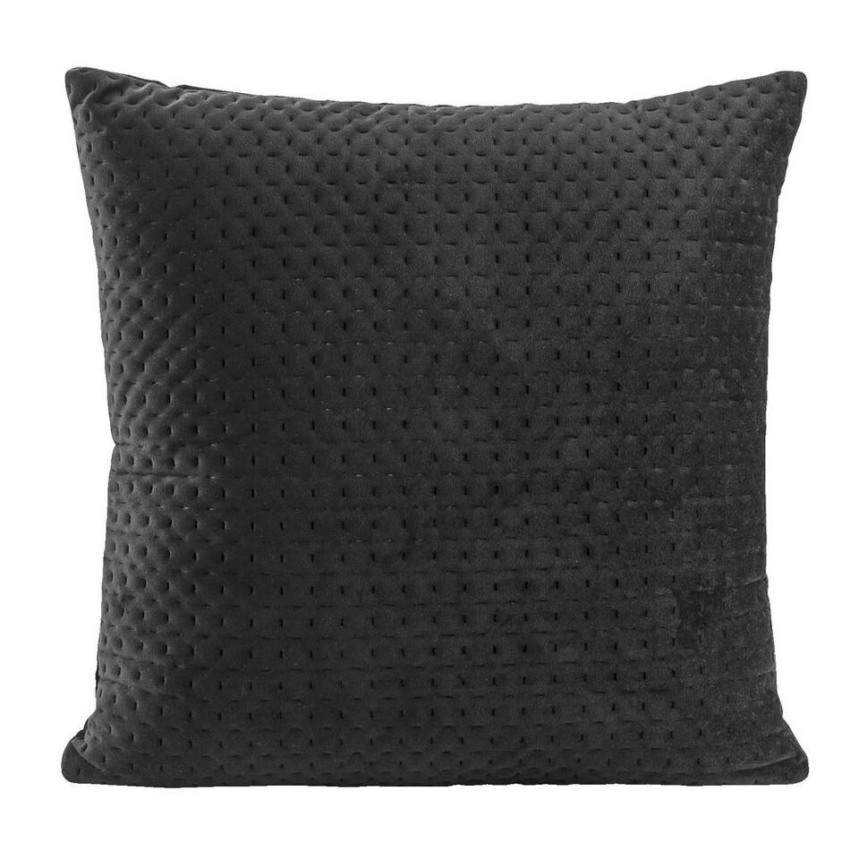 Sierkussen Alain is een mooi kussen met een chique patroon. Dit sierkussen heeft een afmeting van 45x45 cm en is gemaakt van 100% polyester.
