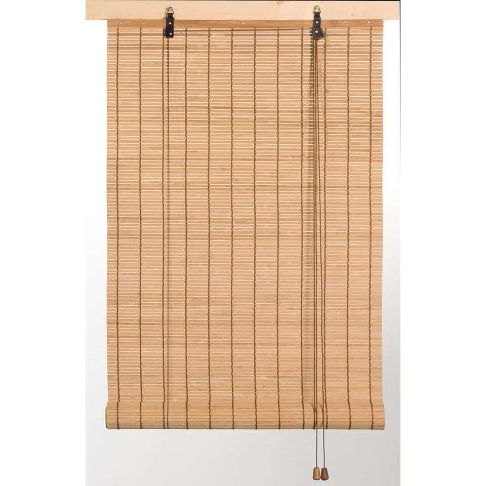 Ce store enrouleur en bambou est conçu pour créer de l'intimité tandis que la lumière peut encore entrer. Le store enrouleur de bambou en couleur naturel est beau dans différents intérieurs.