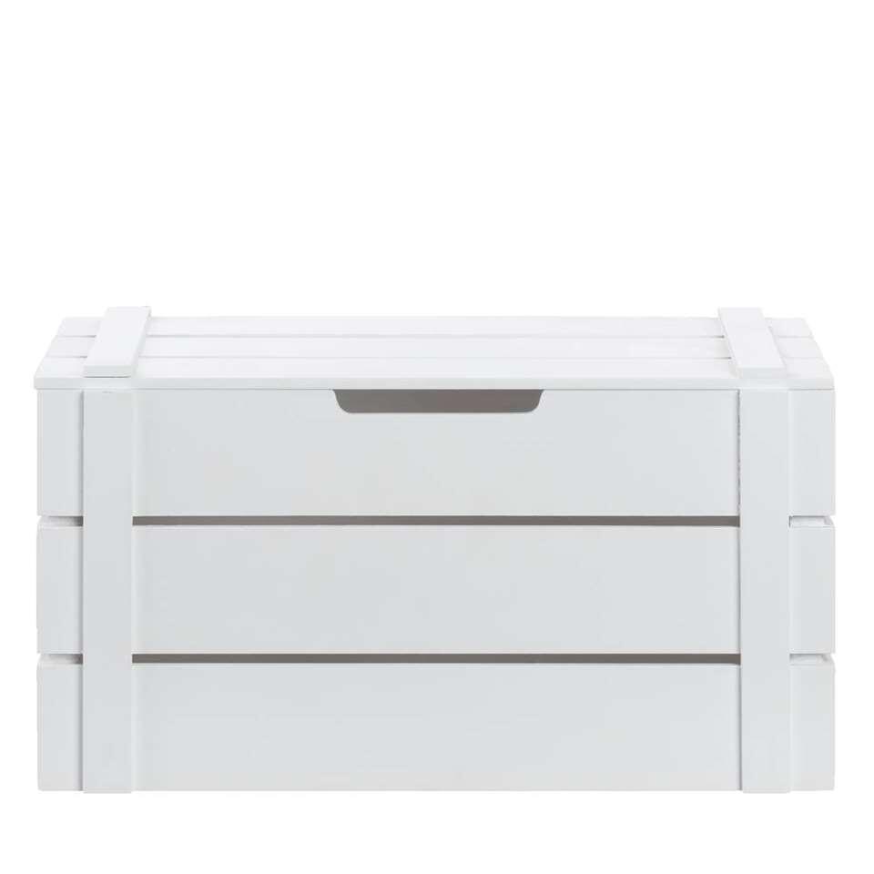 Kist Raaf is een handige, stoere kist gemaakt van hout in de kleur wit. Met deze kist verzamelt u allerlei spulletjes op één plek, dit maakt opruimen en ordenen wel heel gemakkelijk!