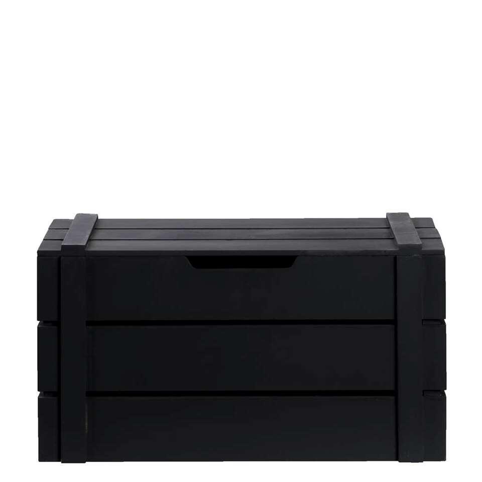 Kist Raaf is een handige, stoere kist gemaakt van hout in de kleur zwart. Met deze kist verzamelt u allerlei spulletjes op één plek, dit maakt opruimen en ordenen wel heel gemakkelijk!