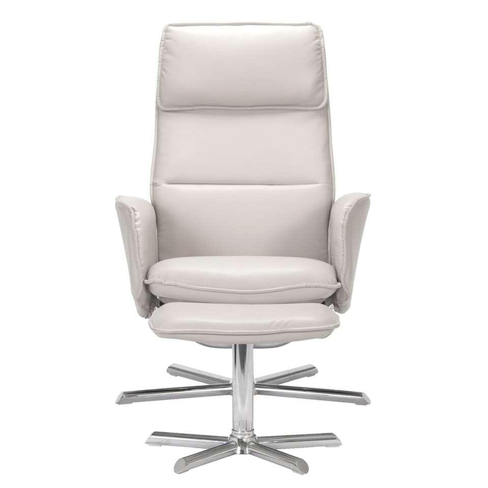 Assoupissez-vous confortablement dans cet élégant fauteuil relax Lipardi. Le fauteuil est en similicuir beige, et comprend une base de couleur chrome avec une hauteur d'assise de 41cm.