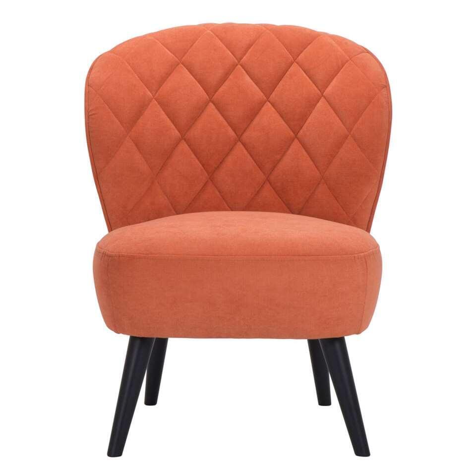 De Vita is een retrolook fauteuil die absoluut niet mag ontbreken in uw inrichting! Deze mooie vormgegeven fauteuil is uitgevoerd in een fijne, oranje stof met zwarte poot.