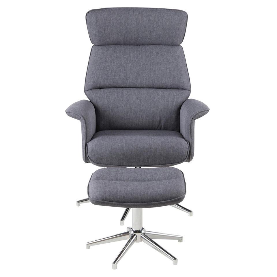 Assoupissez-vous dans ce fauteuil relax stylé Corsas... Le fauteuil a un tissu gris foncé et des pieds couleur chrome.