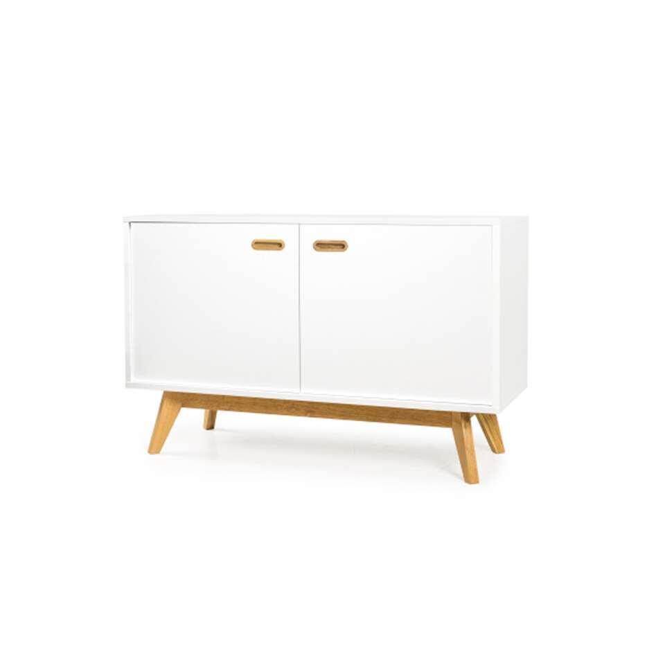 Dressoir Bess is een modern Zweeds ontwerp met een knipoog naar het klassieke uiterlijk van de jaren '50.