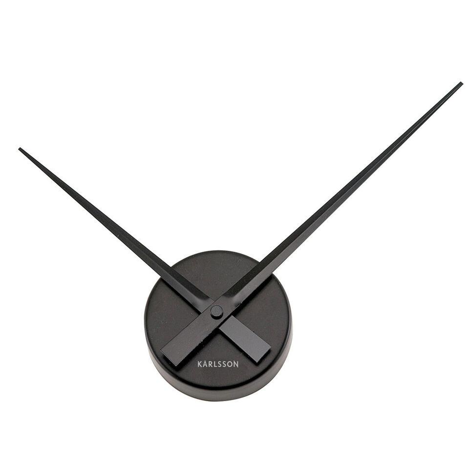 Karlsson klok Little Big Time is een prachtige designklok voor aan de wand. De klok is gemaakt van aluminium en heeft een diameter van 44 cm.
