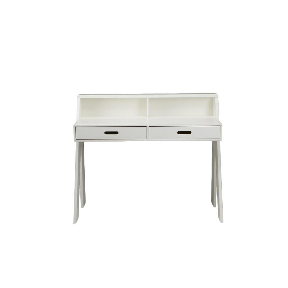 Woood bureau Max is een modern wit bureau gemaakt van massief grenenhout. Het grenenhout heeft een FSC® keurmerk. Bureau Max heeft handige vakken en laden waar u genoeg spullen kwijt kunt.