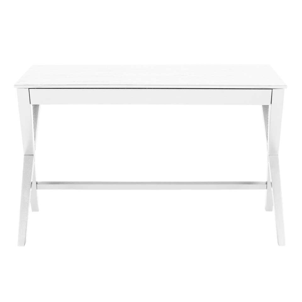 Bureau Gorvik is een typisch Scandinavisch bureau. Modern, eenvoudig en gemaakt van mooie materialen. Als je soms thuis werkt neemt het bureau niet veel plek in en door de witte kleur valt het bureau wat weg tegen een witte muur.