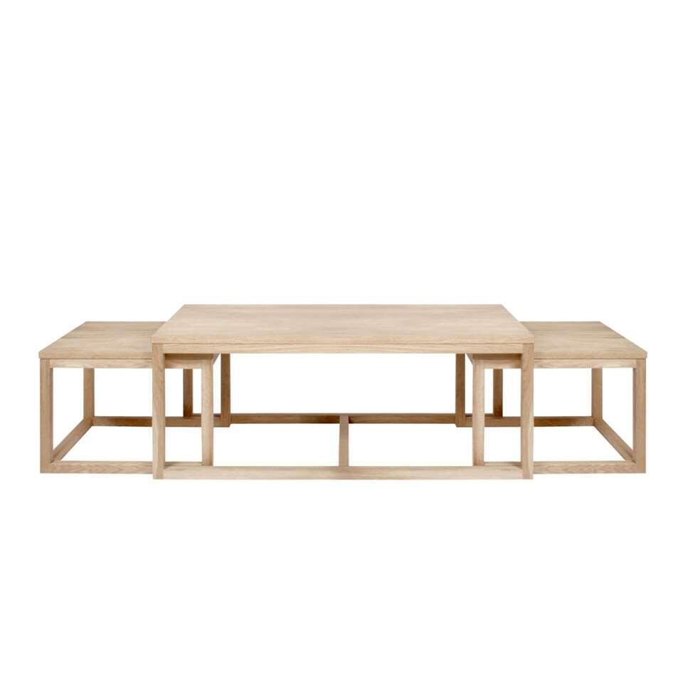 L'ensemble de table de salon Hanestad est un ensemble pratique de trois tables de salon. Ces tables ont une jolie couleur de chêne claire et sont fabriquées à partir de MDF de grande qualité.