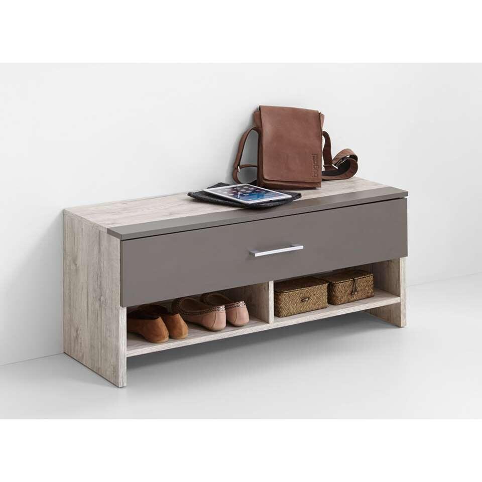 Halbank/schoenenkast Alan 4, is een vrij staande bank voor de gang en de entree. De bank wordt geleverd inclusief zitkussen.
