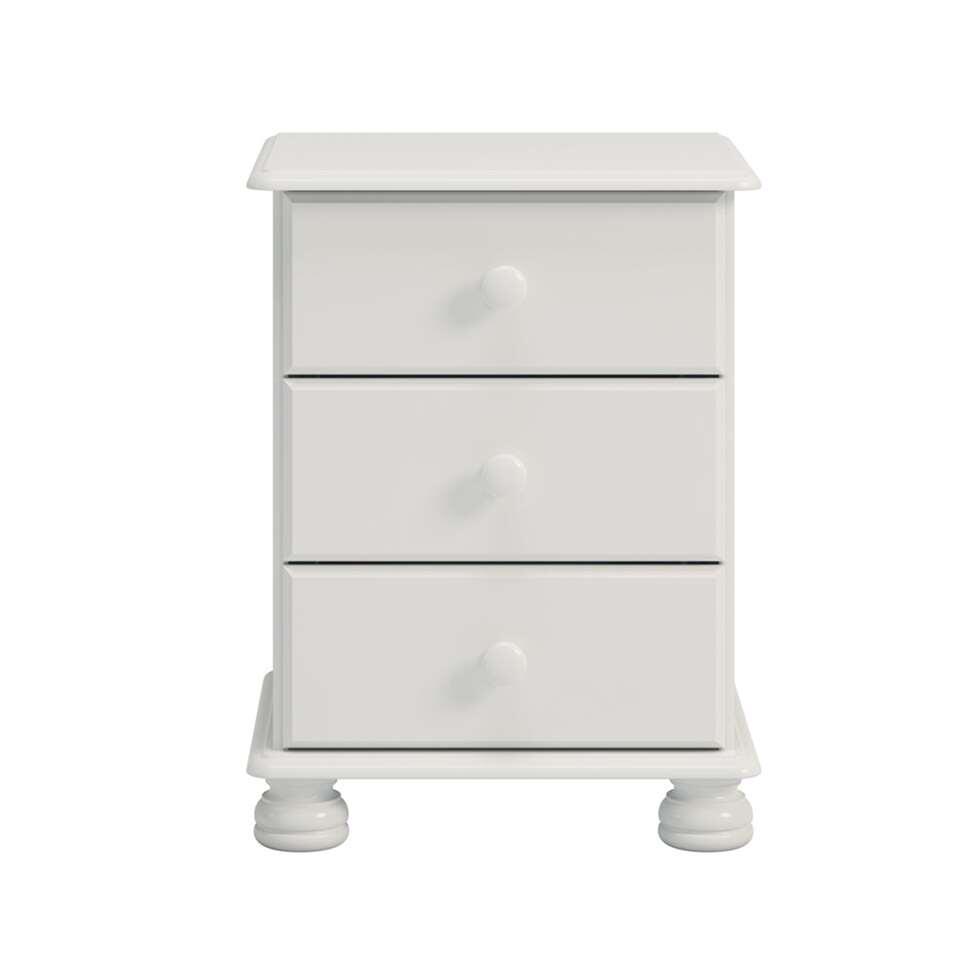 La table de nuit Richmond est une table de nuit blanche en bois au look rustique remarquable. C'est grâce aux détails des pieds et aux boutons sur les tiroirs.