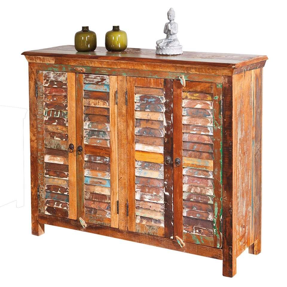 Dressoir Digam is gemaakt van recycled en massief mangohout in verschillende kleuren. De kast heeft twee sets dubbele deurtjes met daarachter een legplank. Deze kast is een echte eyecatcher in uw interieur.