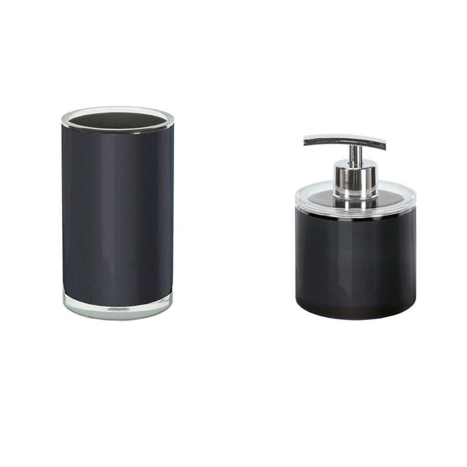 L'ensemble salle de bains Polly de Kleine Wolke crée du calme et de l'hygiène dans la salle de bains. Cet ensemble comprend un distributeur de savon et un gobelet pour votre brosse à dents au look branché.